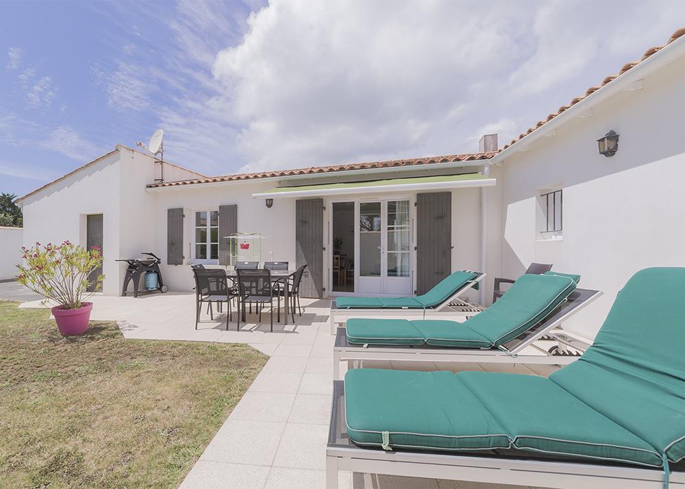 Maison louer ile de r ile de re ds 360 euros par semaine for Annonces de location de maison
